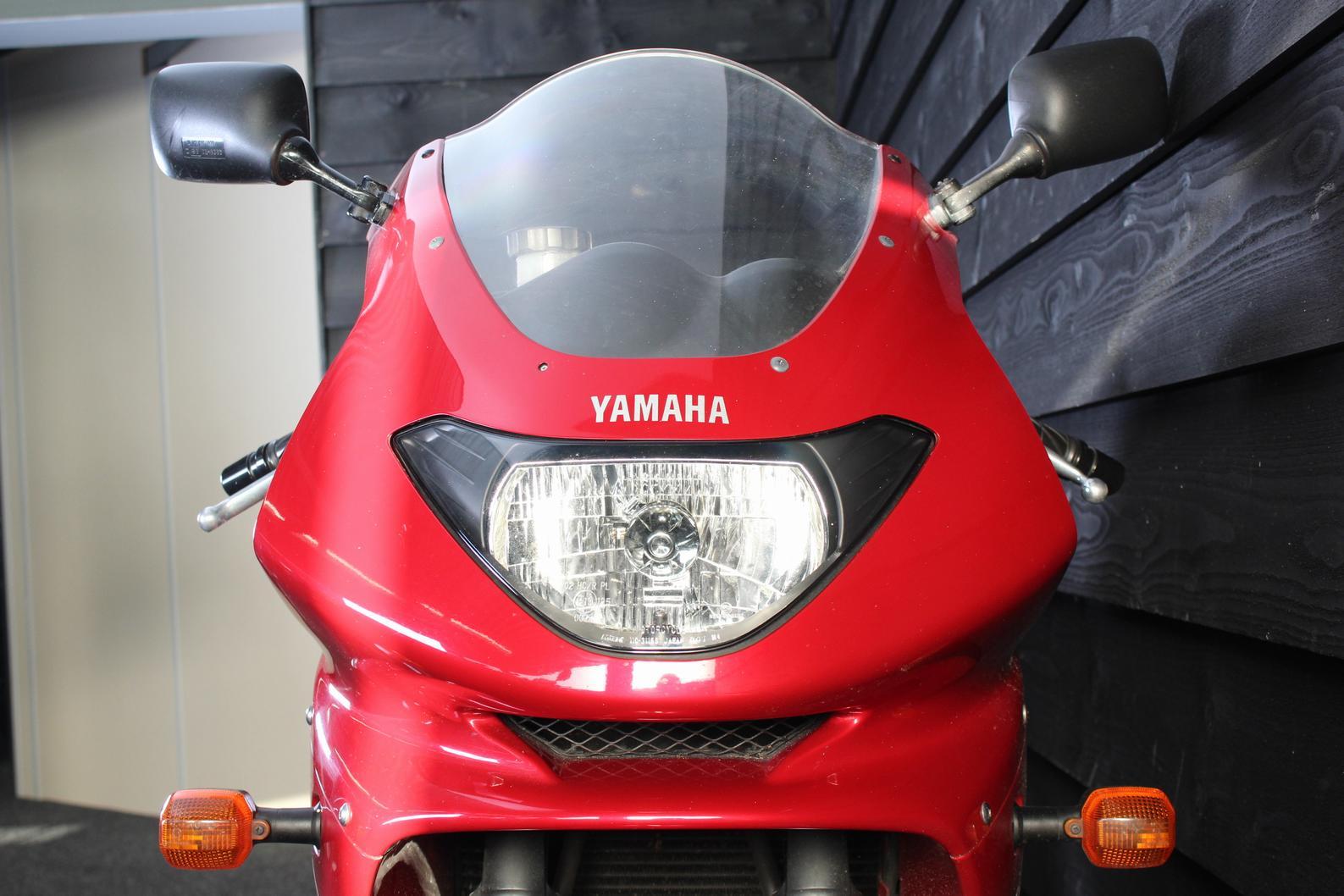 YAMAHA - YZF 600 R Thundercat