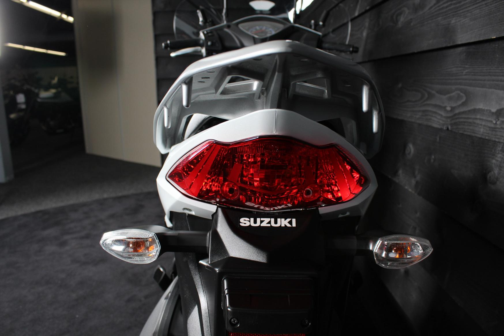 SUZUKI - Address 110