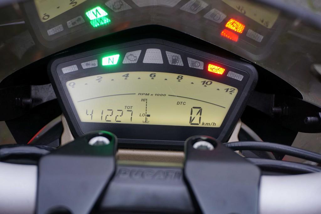 DUCATI - Streetfighter 1098 S