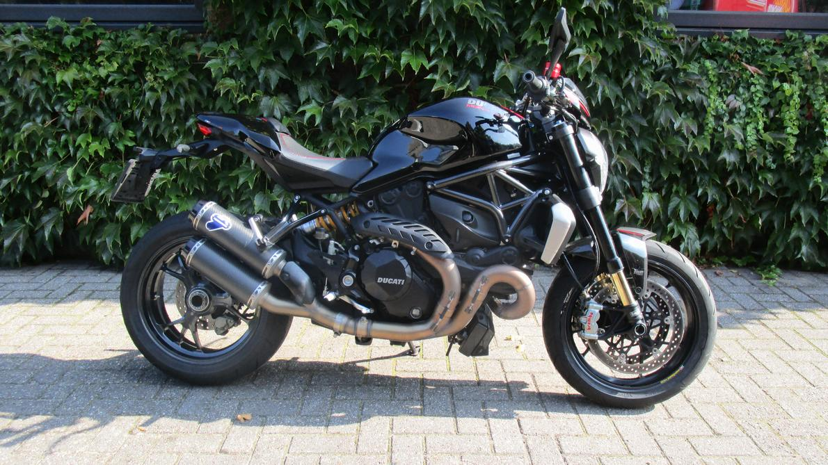 DUCATI - Monster 1200 R