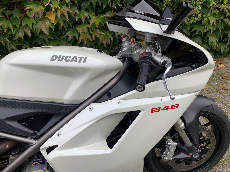 DUCATI - 848