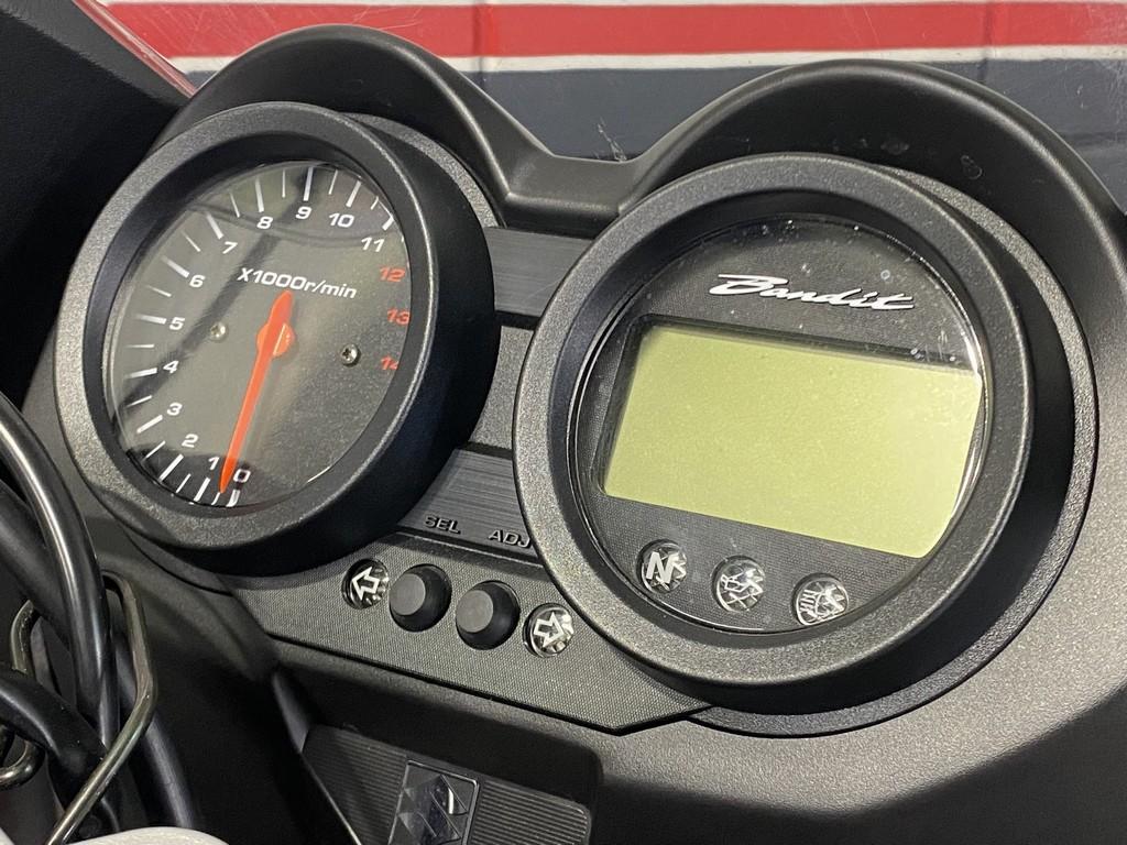 SUZUKI - GSF 650 S