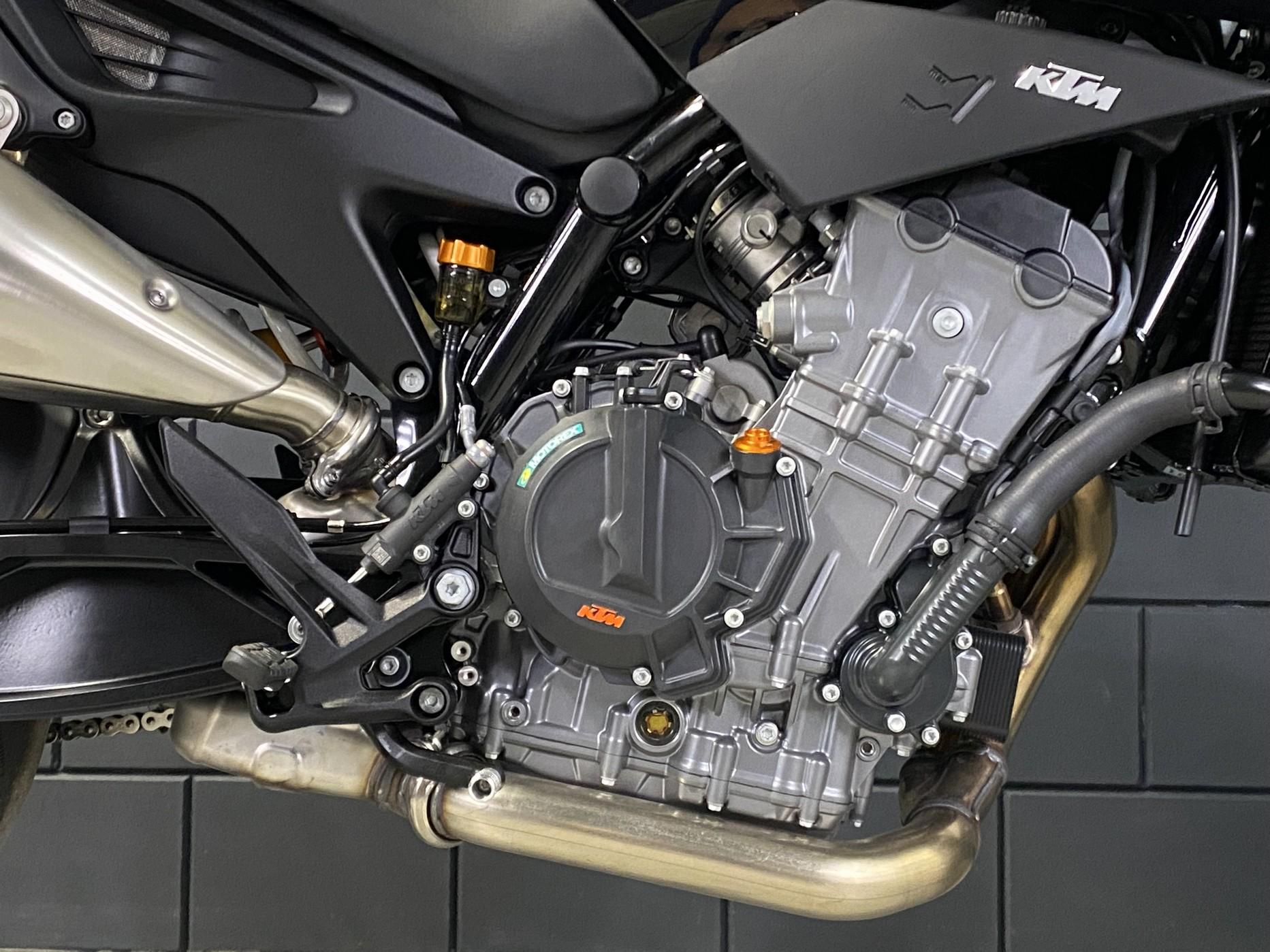 KTM - 890 DUKE ABS