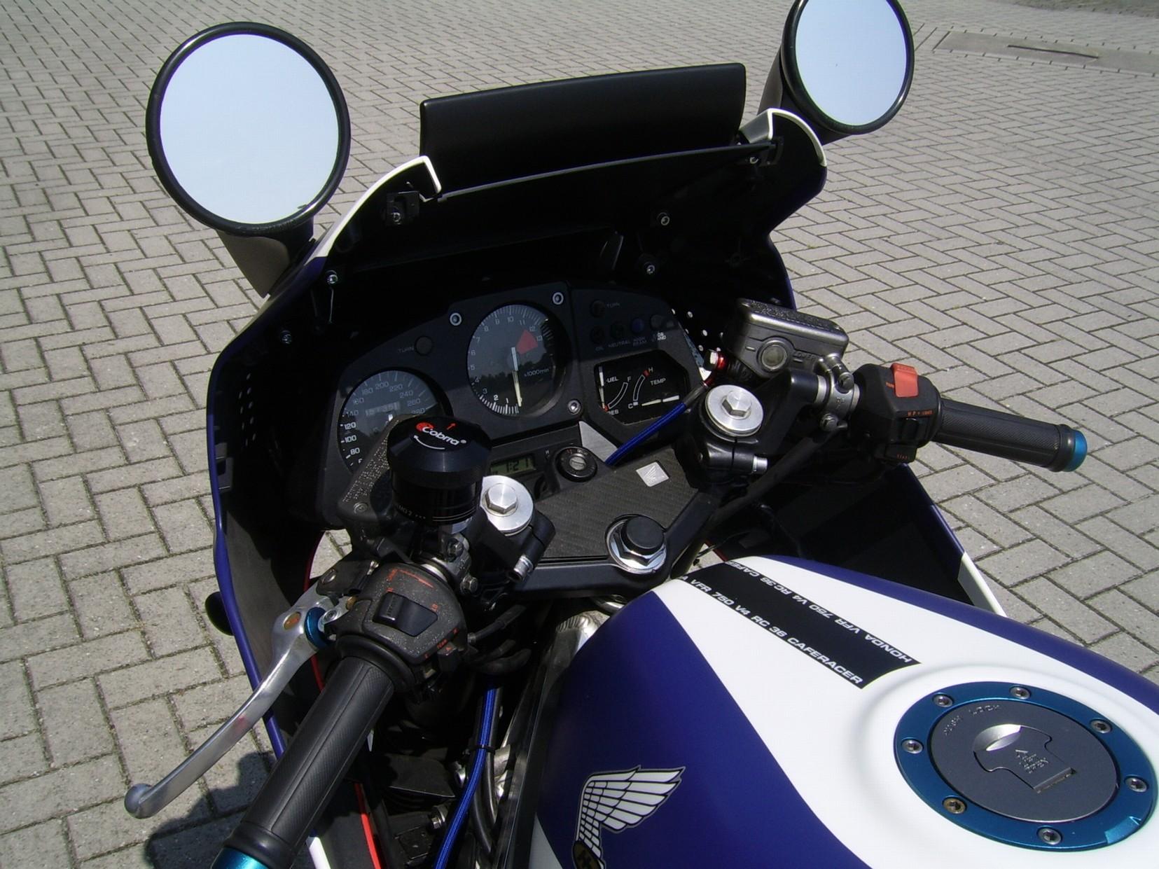 HONDA - VFR750F