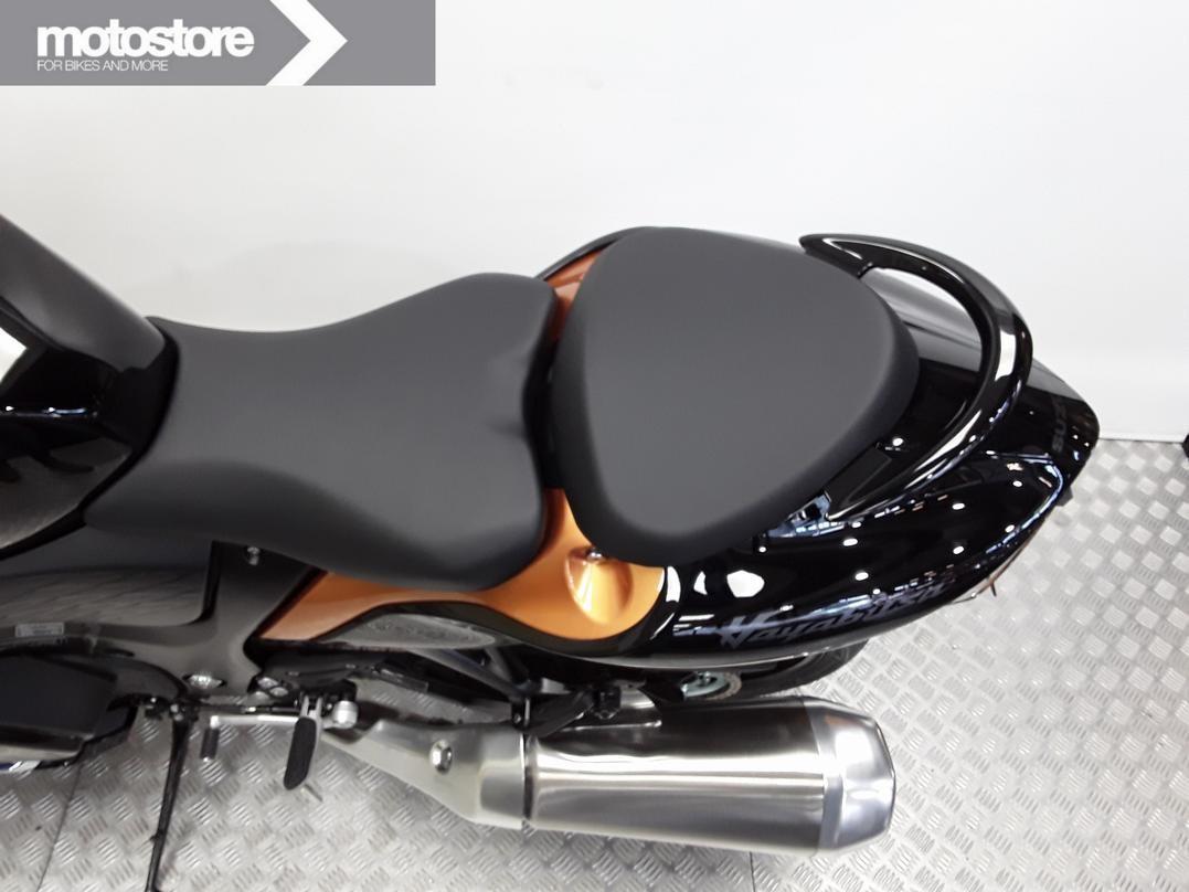 SUZUKI - GSX 1300 R Hayabusa
