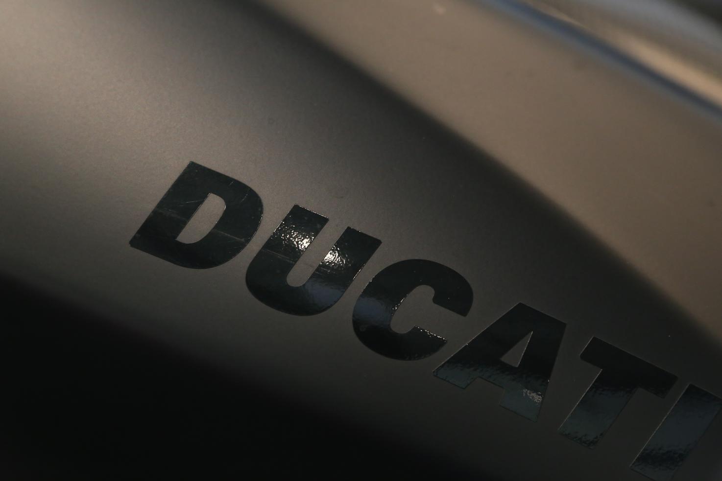 DUCATI - SF 848