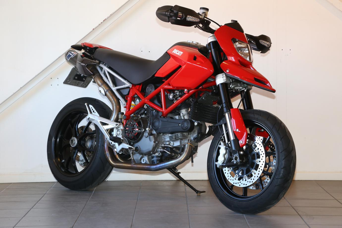 te koop ducati hypermotard 1100 evo bikenet. Black Bedroom Furniture Sets. Home Design Ideas