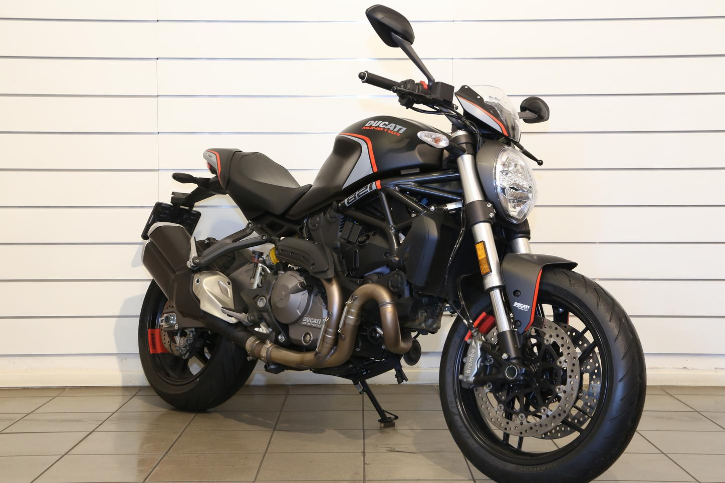 DUCATI - Monster 821 Dark Stealth