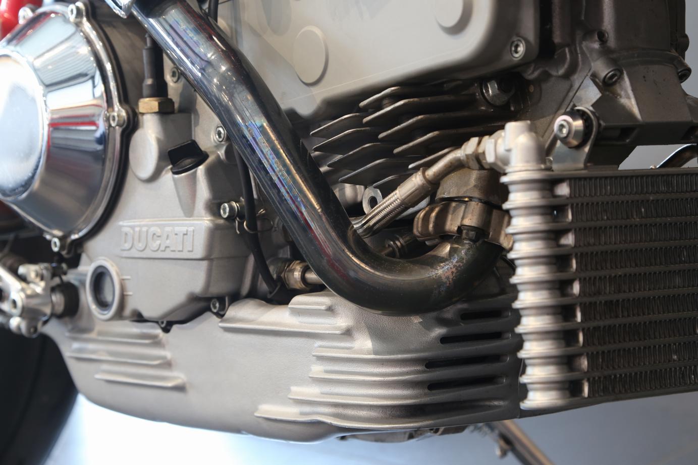 DUCATI - MH 900
