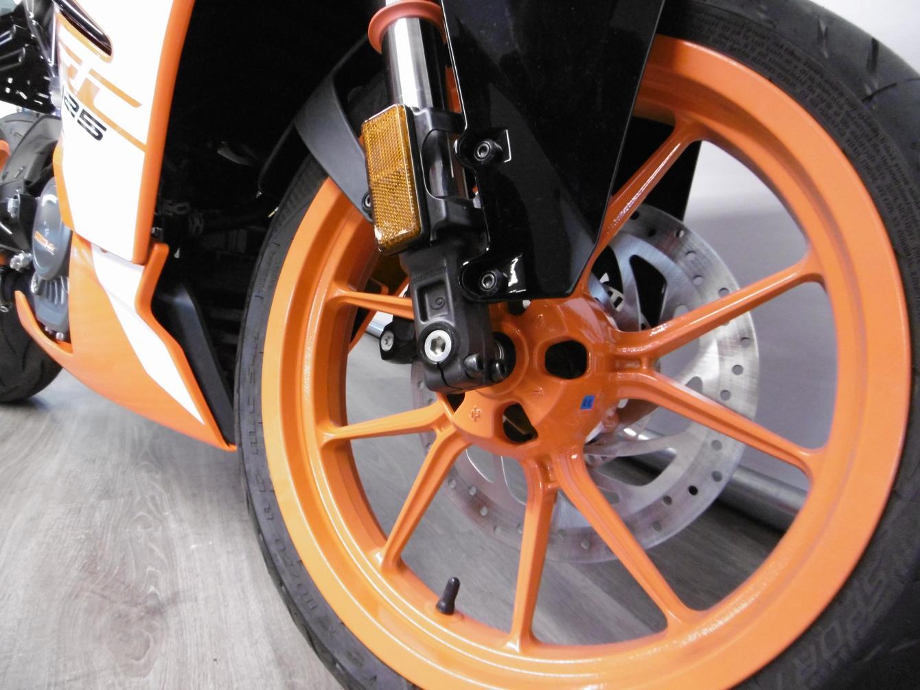 KTM - RC 125 ABS