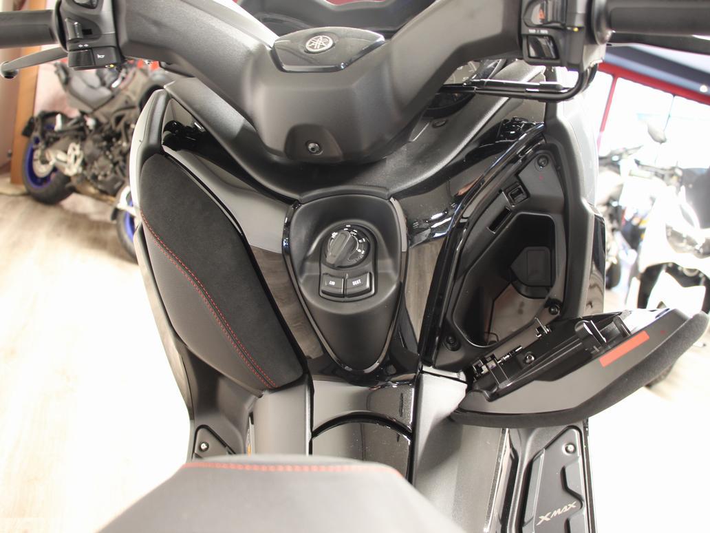 YAMAHA - X MAX 300 TECHMAX
