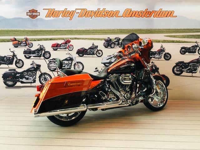 HARLEY-DAVIDSON - FLHXSE3 Street Glide CVO