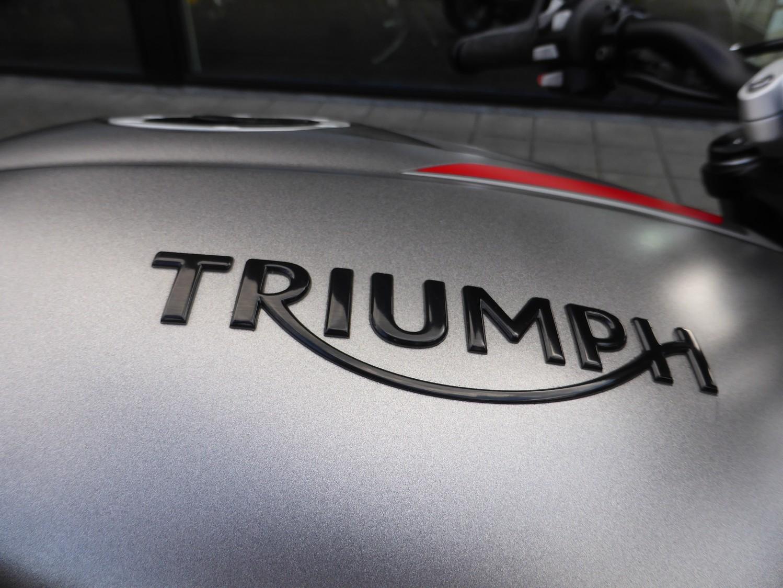 TRIUMPH - STREET TRIPLE RS Street RS
