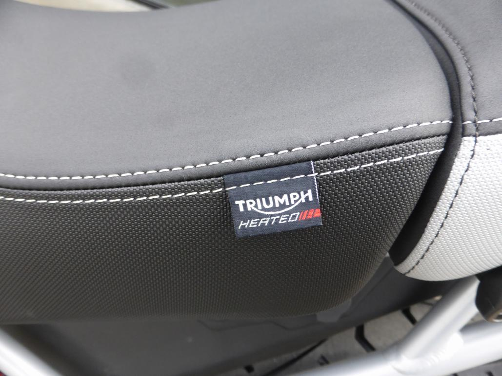 TRIUMPH Tiger 900 GT PRO  Tiger 900 GT