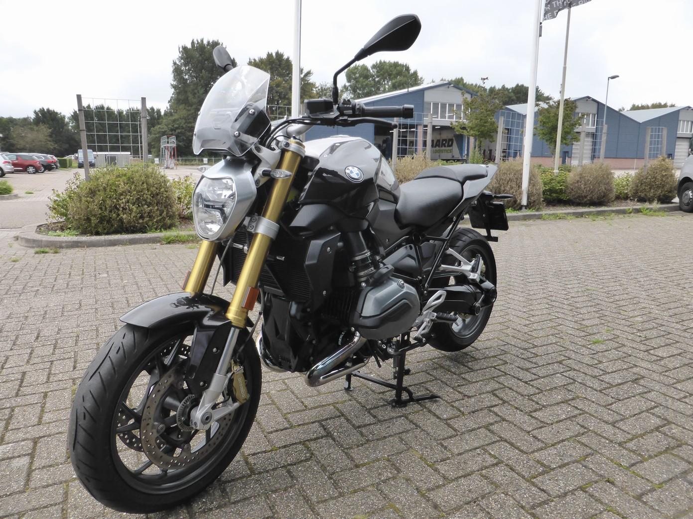 BMW - R 1200 R