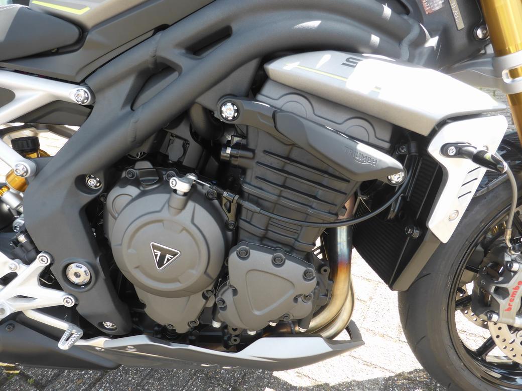 TRIUMPH - Speed Triple RS New Speed Tri
