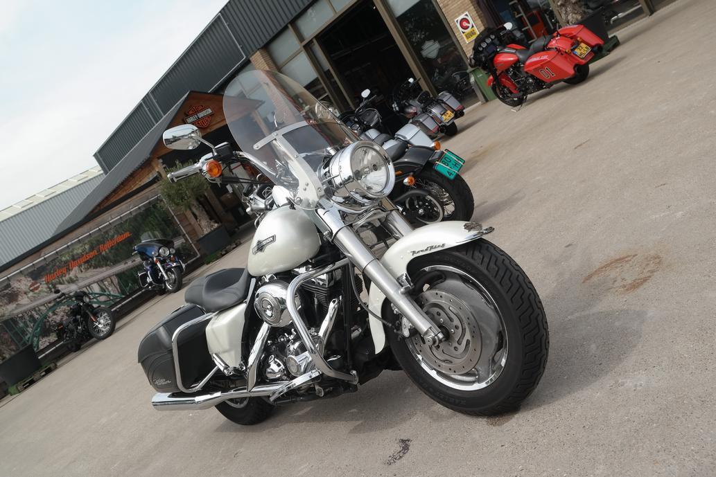 HARLEY-DAVIDSON - FLHRS Road King Custom