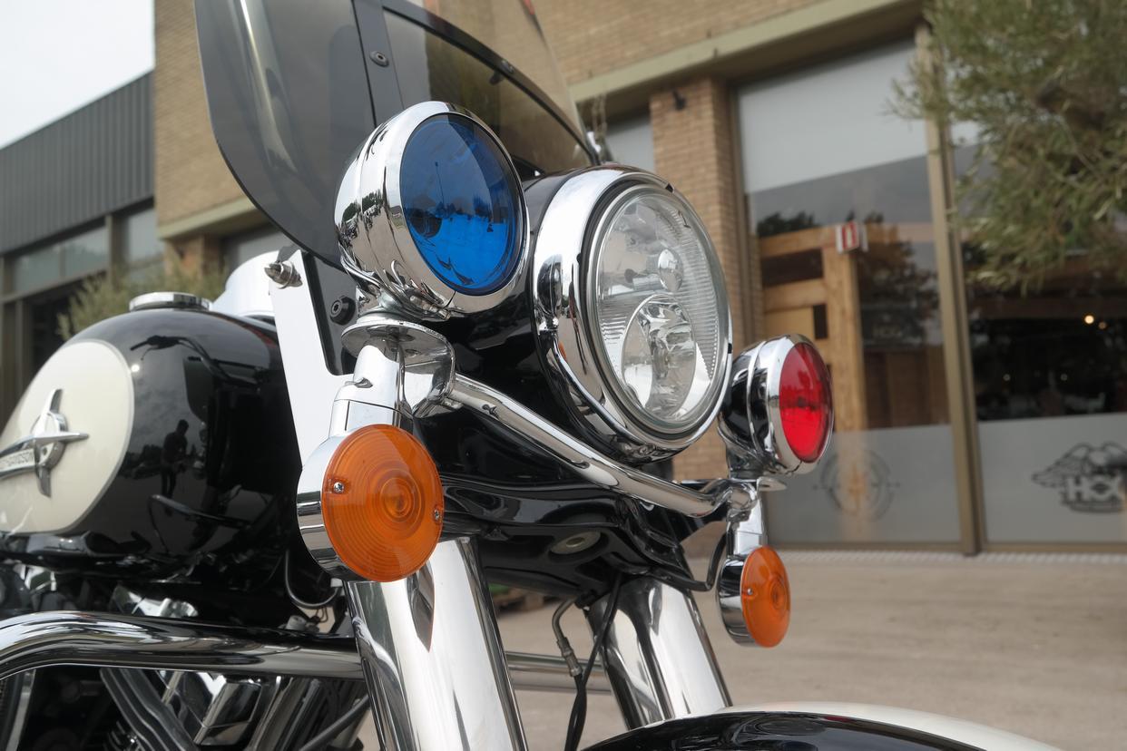 HARLEY-DAVIDSON - FLHP Road King Police