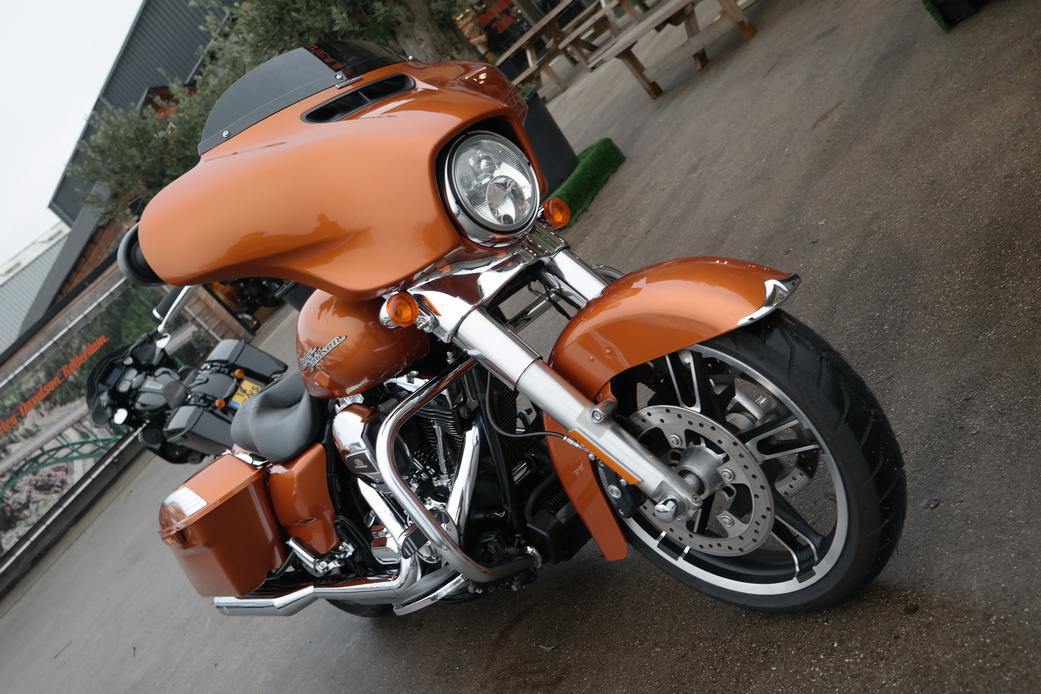 HARLEY-DAVIDSON - FLHX Street Glide