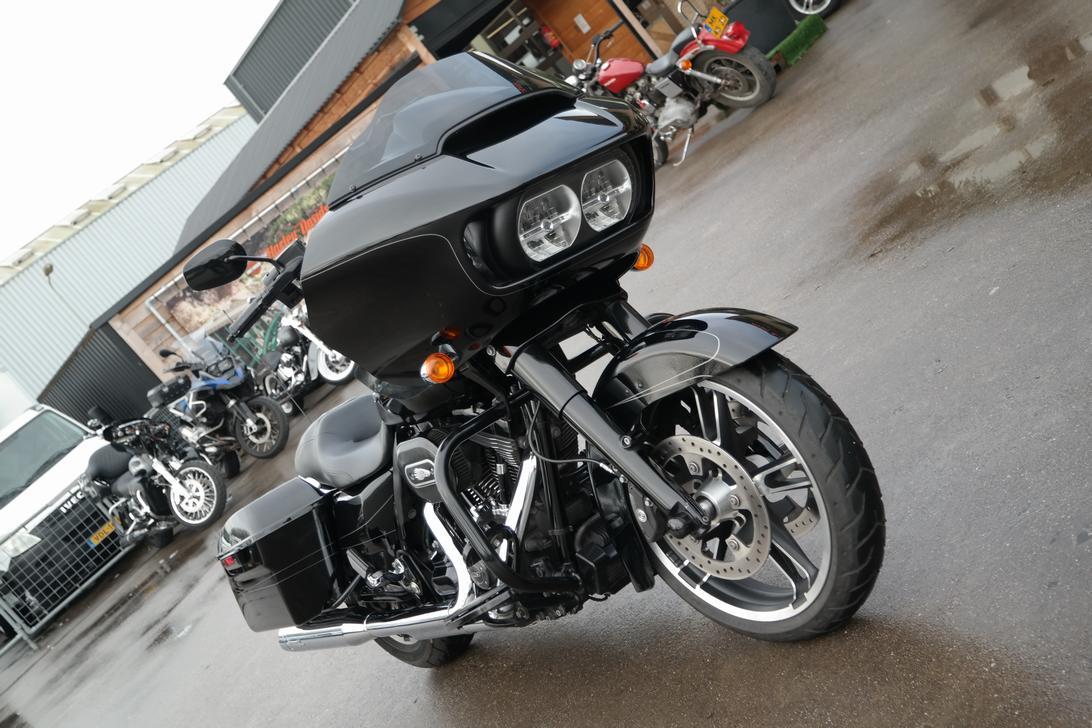 HARLEY-DAVIDSON - FLTRXS Road Glide Special