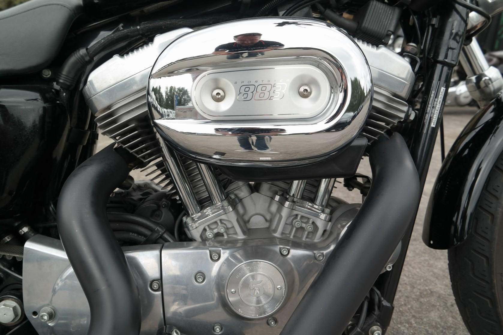 HARLEY-DAVIDSON - XL883L Superlow Vivid Black
