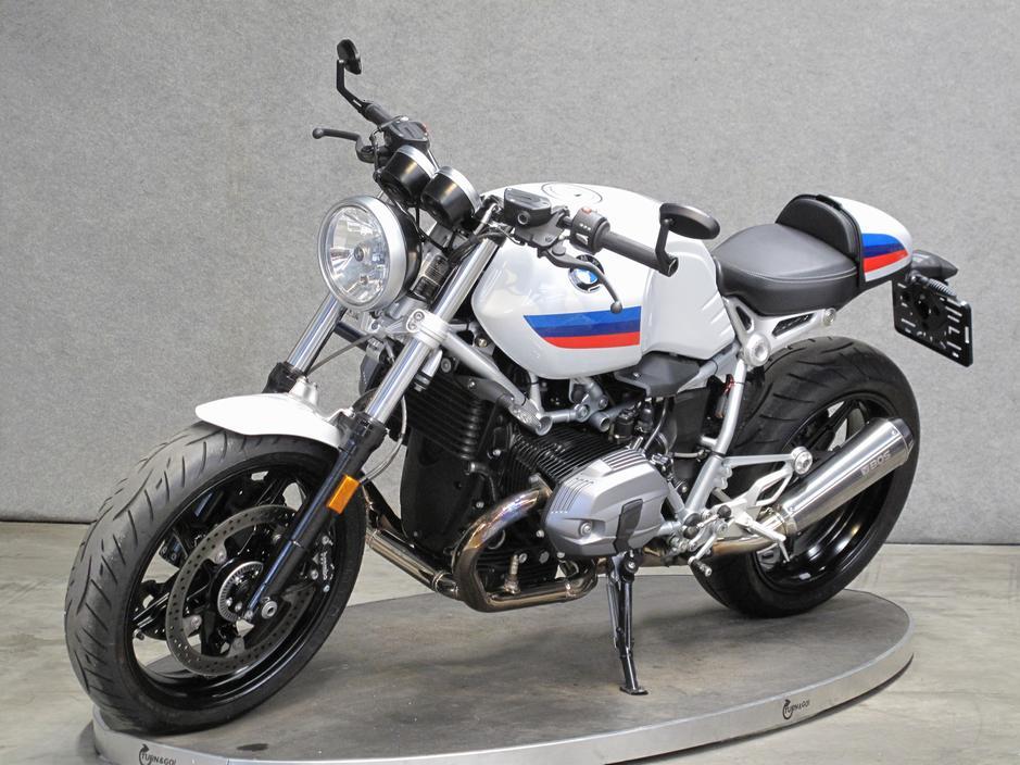 BMW - RNineT Racer