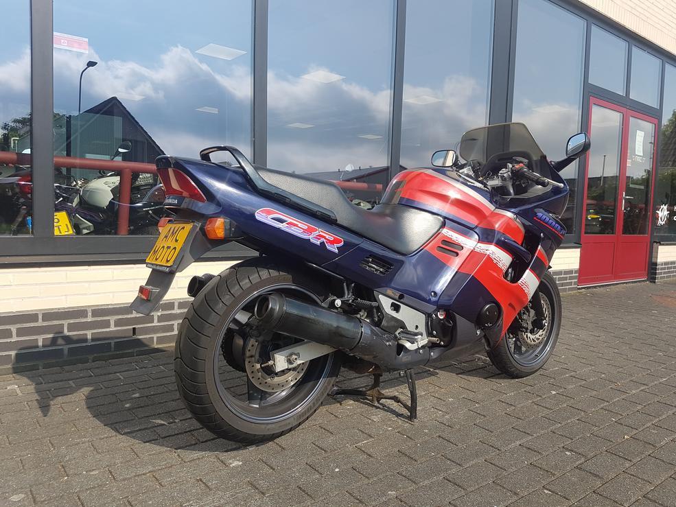 HONDA - CBR 1000 F Honda CBR 1000 F 1