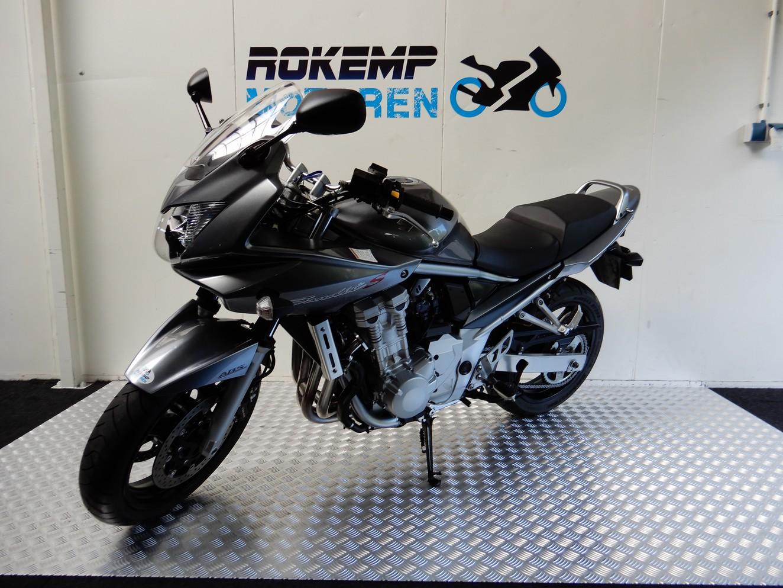 SUZUKI - GSF 600 S