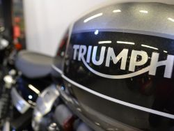 TRIUMPH - SPEED TWIN 1200