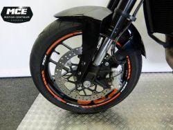 KTM - Duke 690 abs