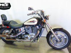 HONDA - VT 1100 C2