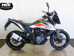 390 Adventure - KTM