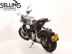 HONDA - CB 1000 R