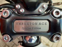 TRIUMPH - THRUXTON 900