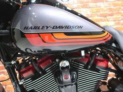 HARLEY-DAVIDSON - FLHXSE Street Glide CVO 117