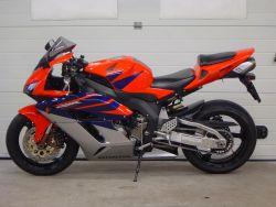 HONDA - CBR 1000 RR