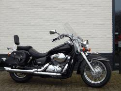 VT750C - HONDA