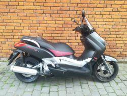 YP 250 R Black X-Max