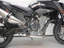 KTM - 890 DUKE