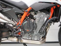 KTM - 890 DUKE R