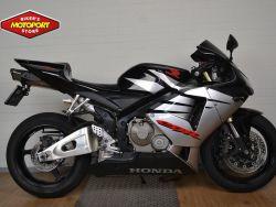 CBR600RR - HONDA