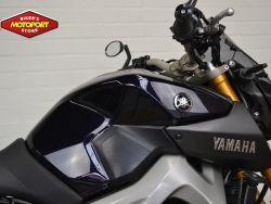 YAMAHA - MT 09