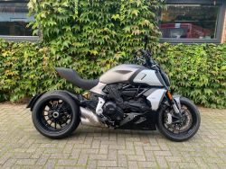 Diavel 1260 Sandstone Grey
