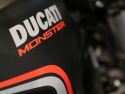 DUCATI - Monster 821 Dark Stealth