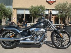 FXSB Softail Vivid Black